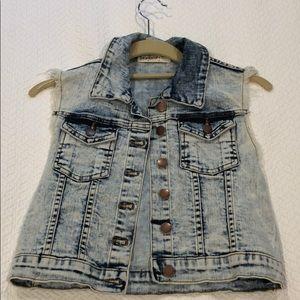 Light wash cropped jean vest